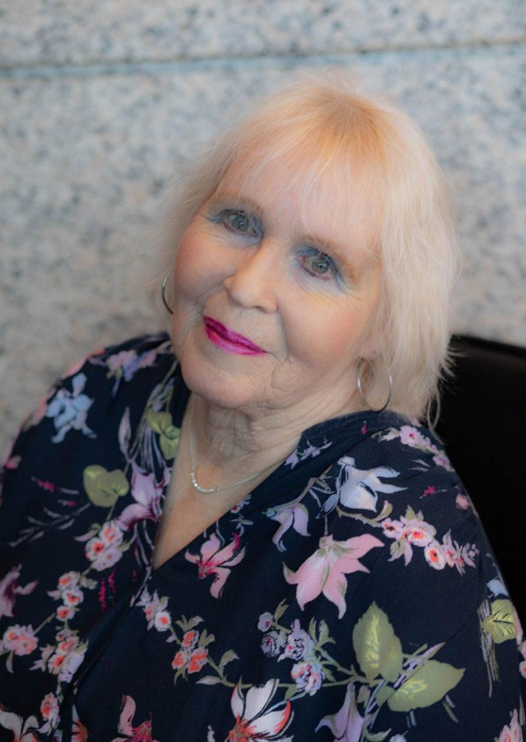 Roxanne Glidewell senior patient care